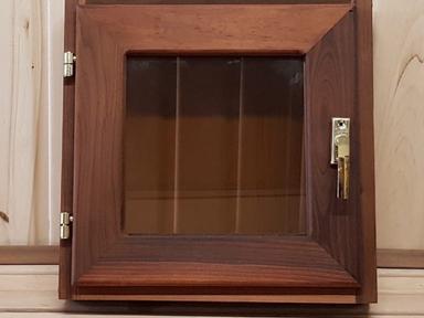 Окно для бани 40х40 с остеклением липа