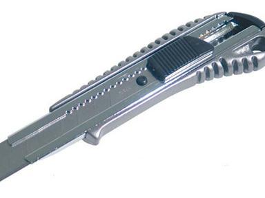 Нож 18мм (8лезвий)