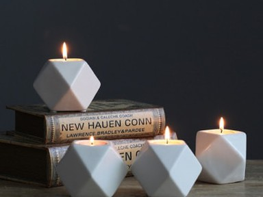 Свечки и подсвечники