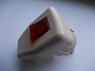 Вилка с выключателем SQ1806-0009