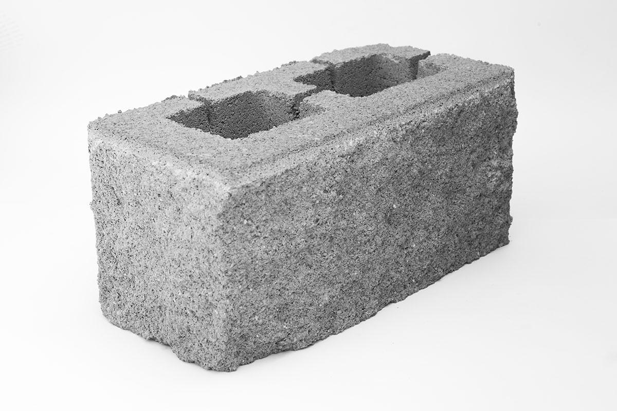 Блок обл. пескобетон угловой 188х190х390 серый М-150