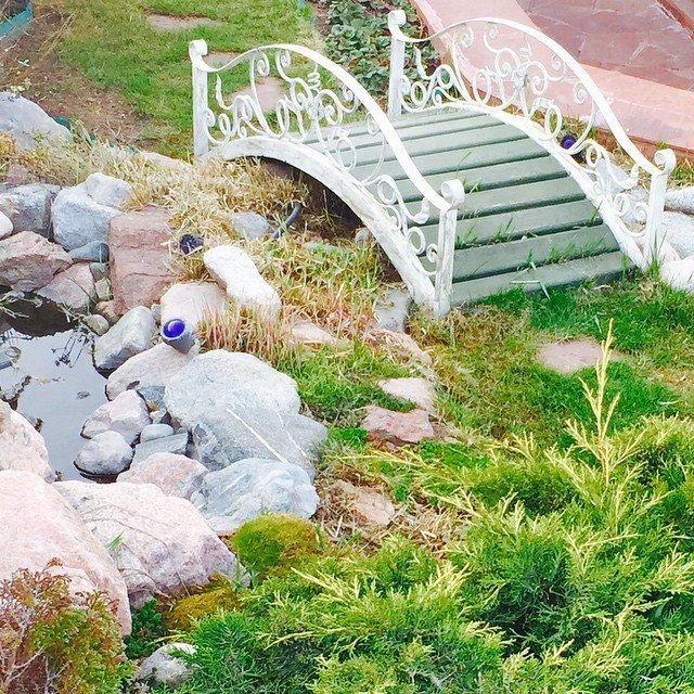 Мостик садовый белый