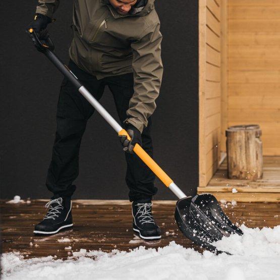 """Скрепер для уборки снега """"FISKARS""""1057189"""